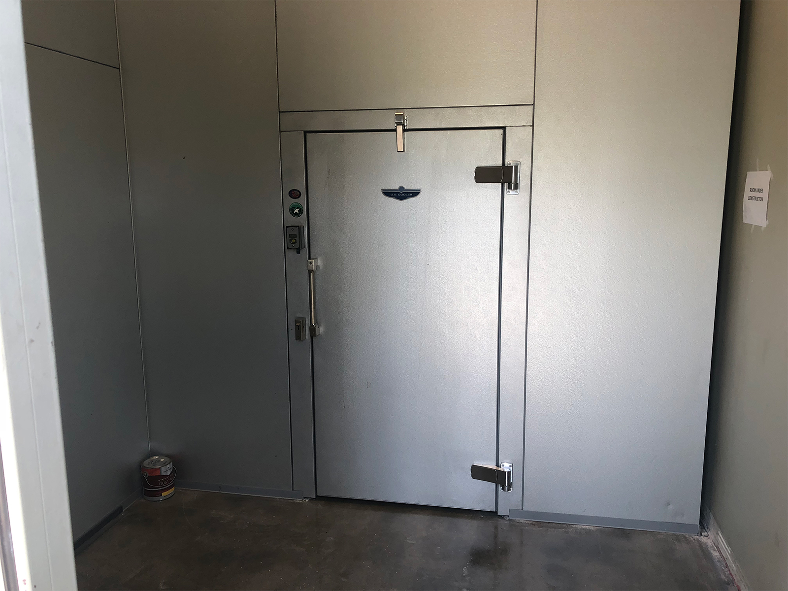 Industrial walk in cooler with steal door