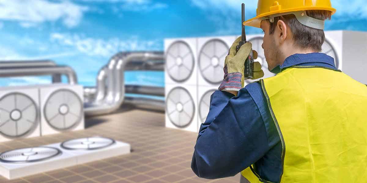AC maintenance worker