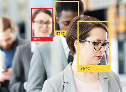 image of people with color squares around their faces and indicating their body temperature in an effort to protect customers in the food service industry
